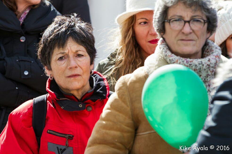Cecilia Salazar (con un globo verde en la mano) estuvo presente en la concentración de Rivas, junto con varios concejales y concejalas de Rivas Puede .